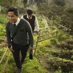 Missionários retornados mórmons caminhando