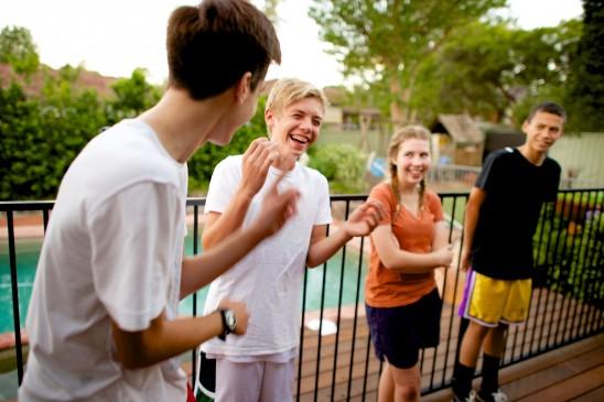 """4 tipos de """"amigos"""" que Você Precisa Evitar"""