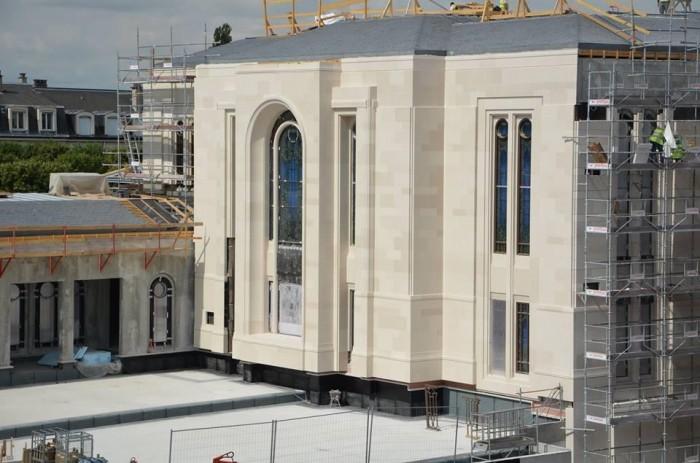 Fotos da Construção do Templo de Paris Reveladas