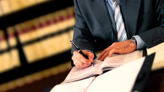Advogados nas Escrituras e na História da Igreja
