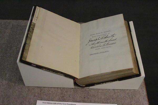 """Livro """"Jesus, o Cristo"""" completa 100 anos"""