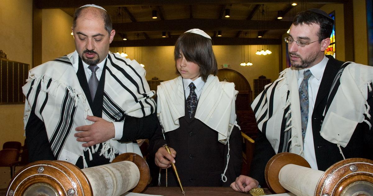 Mórmons Ajudam Judeus Depois de Incêndio em Sua Sinagoga