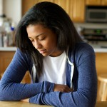 mulher orando - doce grata oração