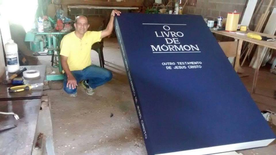Atividade Missionária do Ramo Registro – SP Cria o Maior Livro de Mórmon do Brasil
