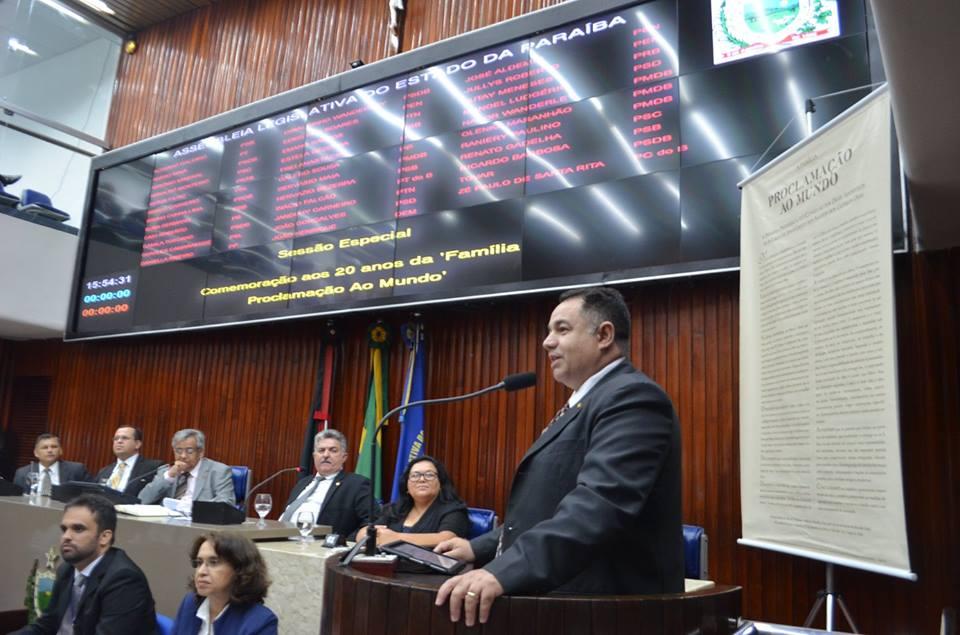 """Assembleia Legislativa da Paraíba comemora """"A Família Proclamação ao Mundo"""""""