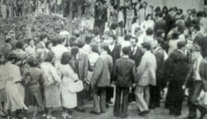 Parte do público no Ibirapuera esperando uma das sessões da Conferência de área em São Paulo