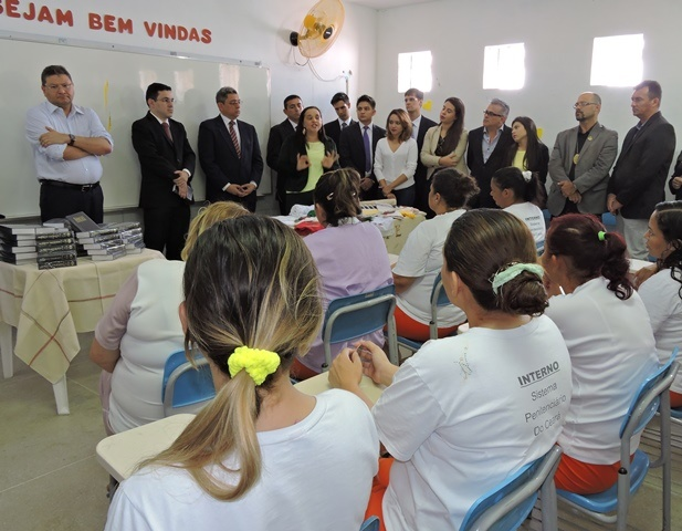 OAB/CE e Igreja se unem para doar 900 Bíblias à Prisão
