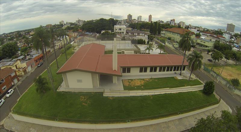 Inauguração de Capela, 2 Anos após Incêndio é Manchete em Jornal