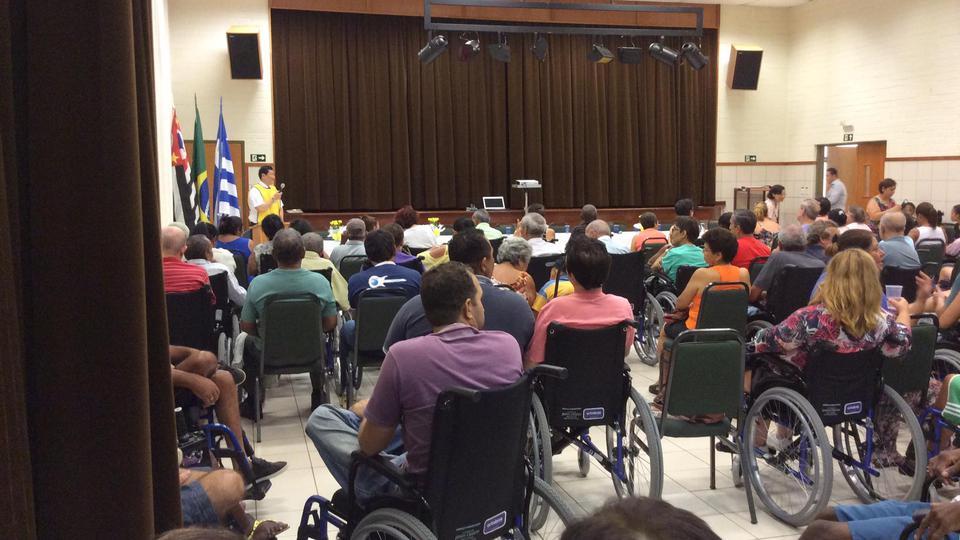 Igreja Mórmon Doa Mais de 1200 Cadeiras de Rodas