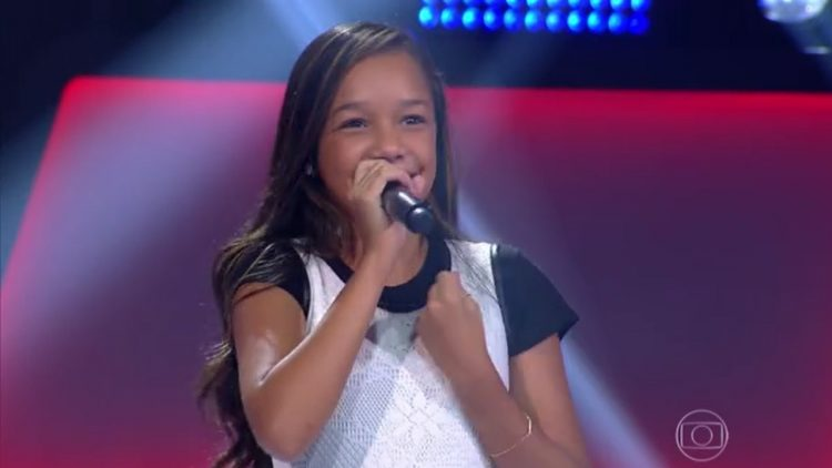 "Nicole Luz, Estrela do ""The Voice Kids"""