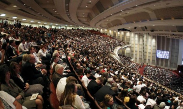 Assista o Relatório Mundial da Igreja Abril de 2016
