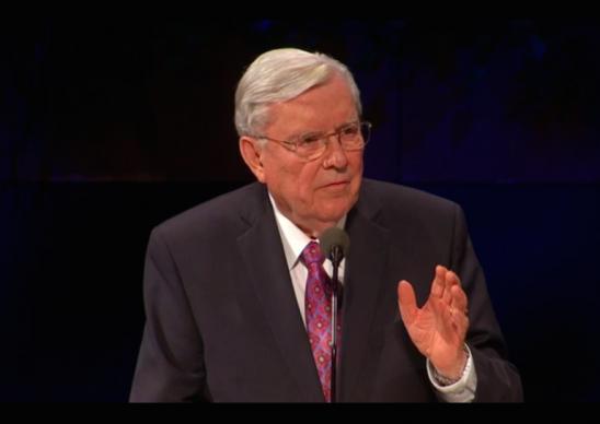 Elder Ballard Alerta Instrutores da Igreja a Enfrentarem Assuntos Controversos