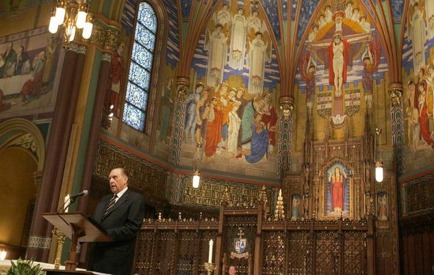 Profeta Mórmon em uma Igreja Católica