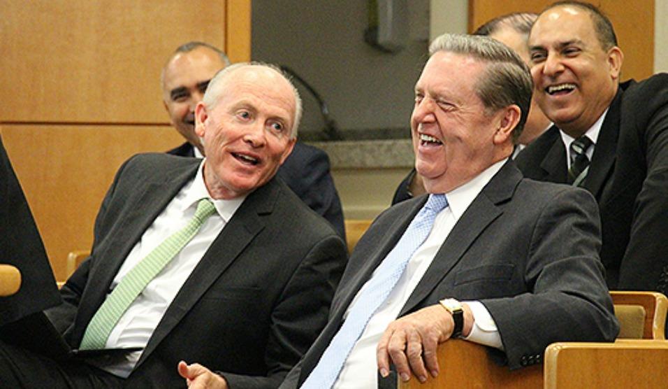 """Élder Holland Afirma que o Brasil É """"Uma Nação em Mudança"""""""