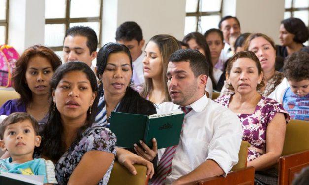 Três dicas para se concentrar nas reuniões da Igreja