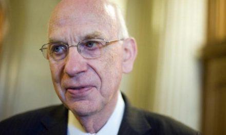 Primeira Presidência Lamenta o Falecimento de Senador Mórmon