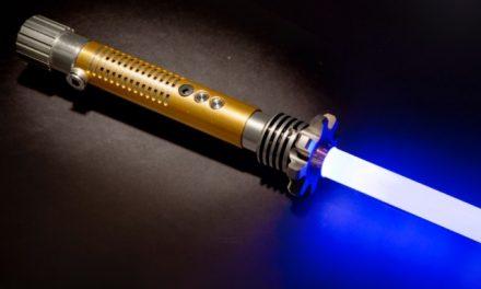 Trio Mórmon cria uma empresa que vende Sabres de Luz!