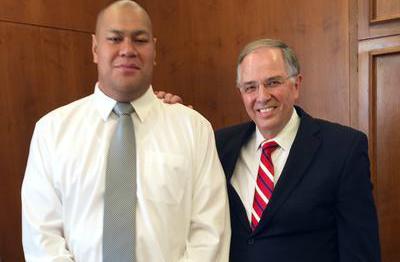 Príncipe da Tonga visita vários templos mórmons