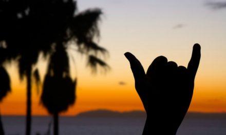 Hang loose: um sinal criado por um mórmon do Havaí