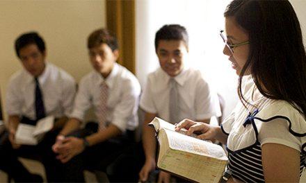 Bata de Leve: controlando o comportamento dos alunos do seminário
