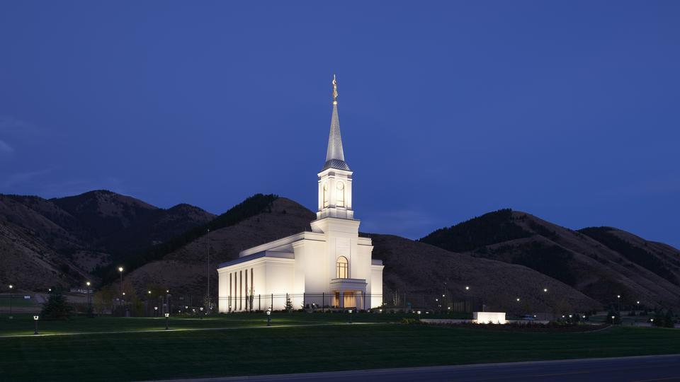 Templo de Star Valley Wyoming noite
