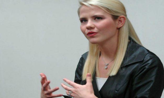 Elizabeth Smart Compartilha Como Ensinar Castidade da Forma Errada Possui Efeitos Devastadores