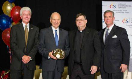 Presidente Nelson é homenageado pelos Serviços Comunitários Católicos