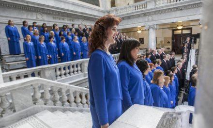 A Igreja responde as reações contrárias a participação do coro do tabernáculo na cerimônia de posse de Donald Trump