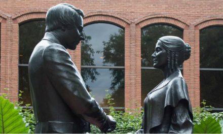 Mulheres do mundo todo comemoram o 175º Aniversário da Sociedade de Socorro