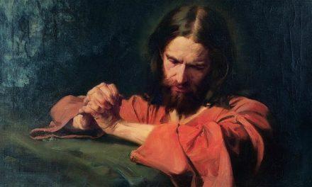 Élder Hales compartilha uma poderosa forma de terminar suas orações que pode mudar o modo como você ora