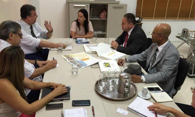 Primeira-dama e vice Prefeito de Jundiaí recebem coordenadores Mãos que Ajudam