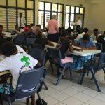 Aula em Vanuatu - programa piloto de educação da Igreja