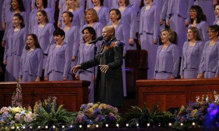 Alex Boyé Fez Extraordinária Apresentação com o Coro do Tabernáculo Mórmon