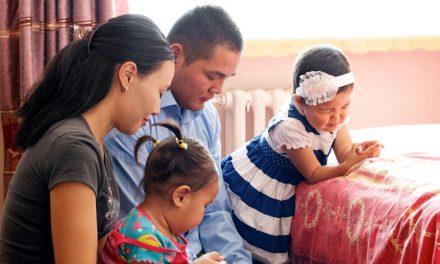 Oração de Dedicação do Lar: Separe Sua Casa do Mundo