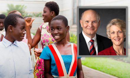 África: Cara a Cara com Elder e Sister Renlund Transmitido de Acra, Gana