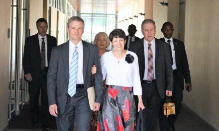 Élder Bednar Dedicou o Novo Centro de Treinamento Missionário em Gana, África