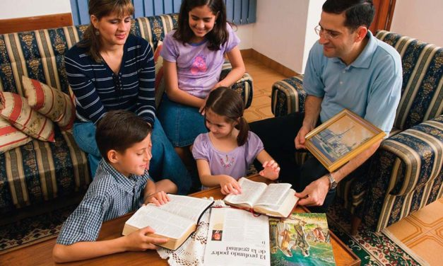Assinaturas da Revista Liahona Para Famílias Recém-conversas