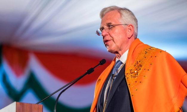 Religião Ajuda Famílias, Comunidades e Nações, diz o Élder Christofferson