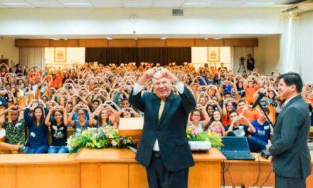 A História do Élder Rasband e o Símbolo de Coração Durante o Meetup