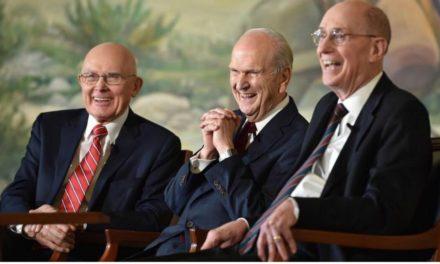 Por que parece que os mórmons só têm líderes brancos e americanos