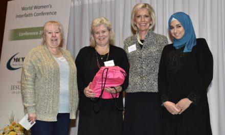 Líderes mórmons das mulheres participam de conferência mundial inter-religiosa