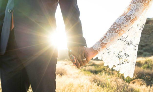 Como incluir familiares e amigos em seu casamento e no selamento