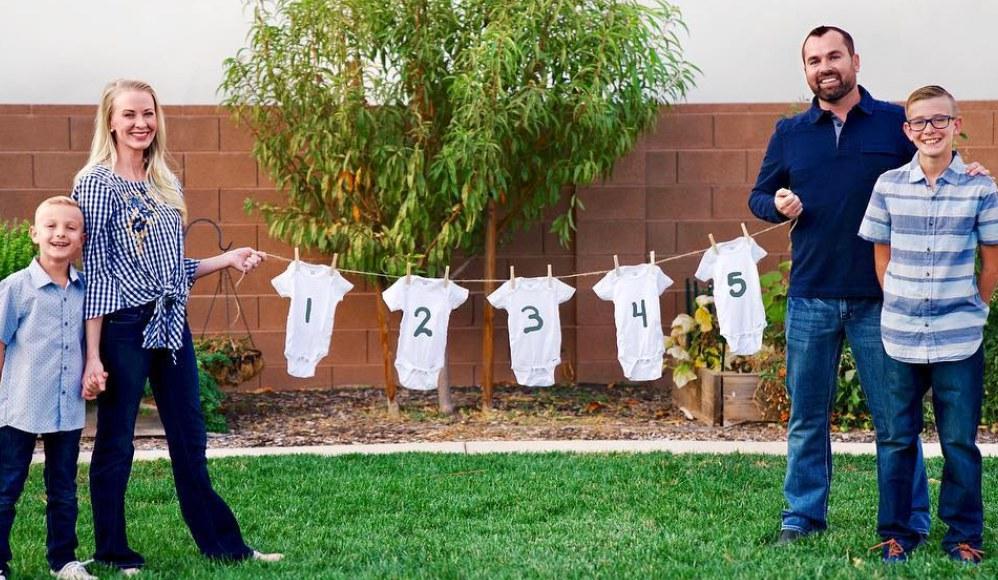 Mulher mórmon grávida de quíntuplos fala sobre sua experiência