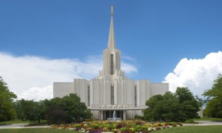 Casa aberta do Templo de Jordan River começa após reforma