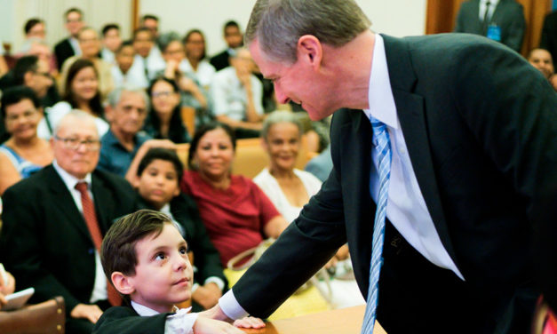 Destaques da visita do Élder David A. Bednar ao Brasil