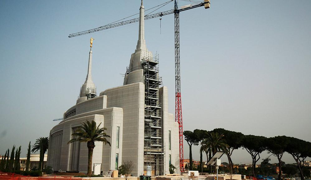 Atualizações sobre a construção do Templo de Roma, Itália