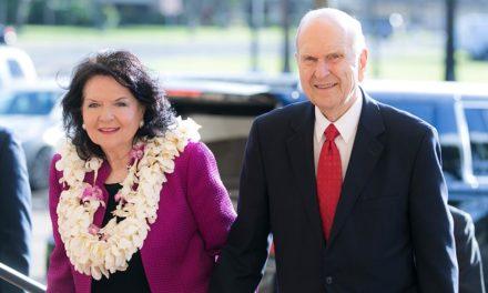 Presidente Nelson conclui sua viagem de ministração pelo mundo no Havaí