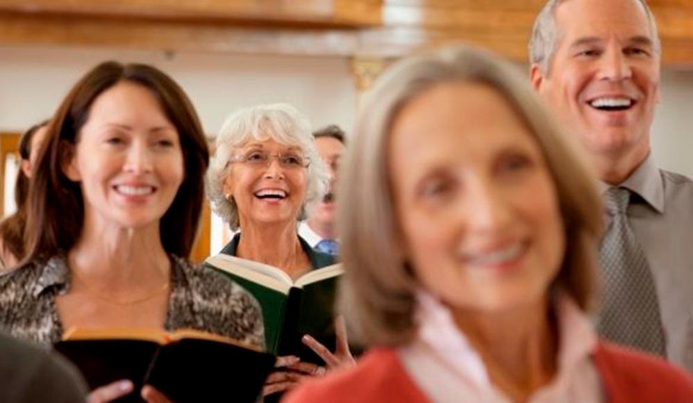 Você sabe que está ficando velho quando essas 10 coisas acontecem na Igreja
