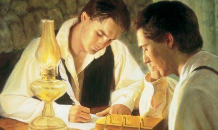 Por que a Tradução de Joseph Smith difere do Novo Testamento e do Livro de Mórmon na mesma passagem?