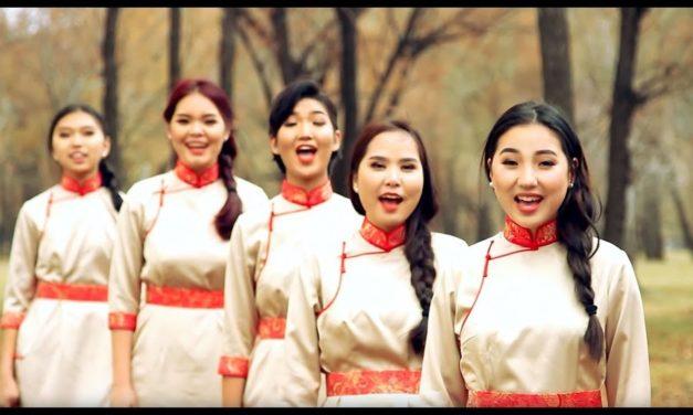 """Vídeo: """"Com Fervor Fizeste a Prece"""" cantado no idioma Mongol"""